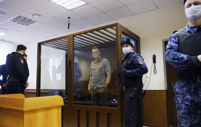 ยุคไบเดน!USควงEUเผชิญหน้ารัสเซีย คว่ำบาตรตอบโต้วางยาพิษ-คุมขังคู่ปรับปูติน