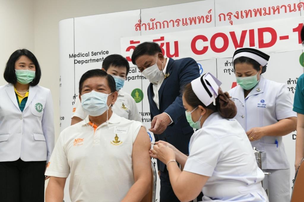 ผู้ว่าฯ อัศวิน เผยกทม.พร้อมฉีดวัคซีนโควิด-19 ปลอดภัยมั่นใจได้