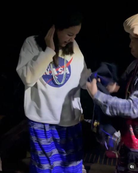"""น่าฮักขนาด """"เชอรี่ เข็มอัปสร"""" แต่งกายชุดพื้นเมืองชาวปกาเกอะญอ(ชมคลิป)"""