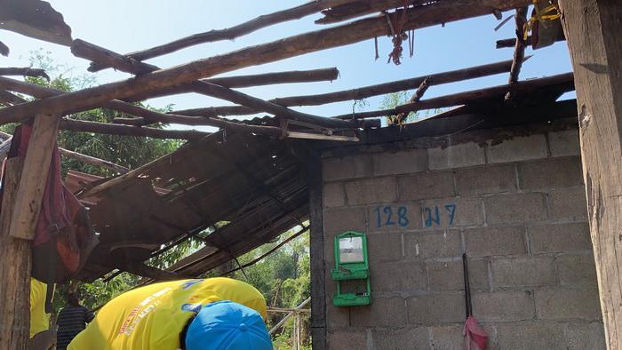 พายุฤดูร้อนถล่มหนองคาย บ้านพังกว่า100หลังเร่งสำรวจช่วยเหลือ