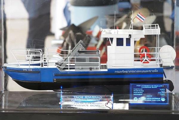 กรมทรัพย์ฯ ทุ่มเงิน 27 ล้านบาท ต่อเรือเก็บขยะ 2 ลำ