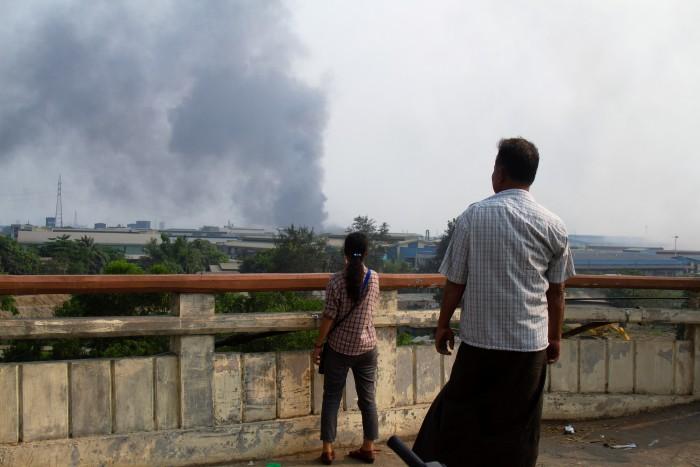 ไต้หวันแนะบริษัทในพม่าติดธง-แขวนป้ายชี้แจงกันคนเข้าใจผิดสับสนกับจีน หลังมีโรงงานโดนเผาหลายแห่ง