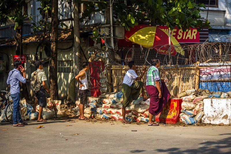 กองทัพพม่าเล็งยัดข้อหาเพิ่ม'ซูจี'คอร์รัปชั่น  ทหารตำรวจออกคุกคามคนย่างกุ้งช่วงค่ำคืน