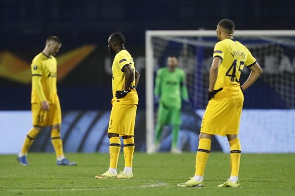 """ช็อก!! """"สเปอร์ส"""" ต่อเวลาพ่าย """"ซาเกร็บ"""" 0-3 ร่วง 16 ทีมยูโรปาฯ"""
