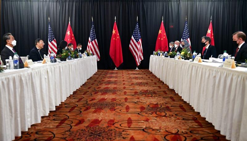'สหรัฐฯ-จีน'ปะทะคารมกันดุเดือดราวกับทำสงครามเย็น  ในการเจรจากันนัดแรก'ยุคไบเดน'