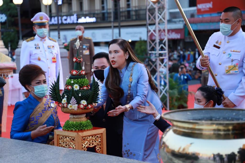 สมเด็จเจ้าฟ้าฯ กรมพระศรีสวางควัฒน เสด็จงานพิธีบวงสรวงและรำสดุดีท้าวสุรนารี ประจำปี 64