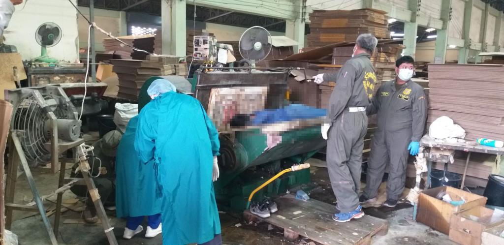 เครื่องจักรหนีบหัวแรงงานพม่าดับ คาโรงงานย่านลาดหลุมแก้ว
