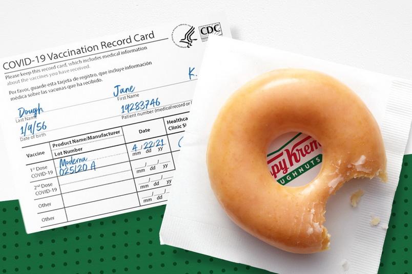 'กลุ่มต้านวัคซีน' โวยแคมเปญแจกโดนัทฟรีของ Krispy Kreme เป็นการ 'เลือกปฏิบัติ'