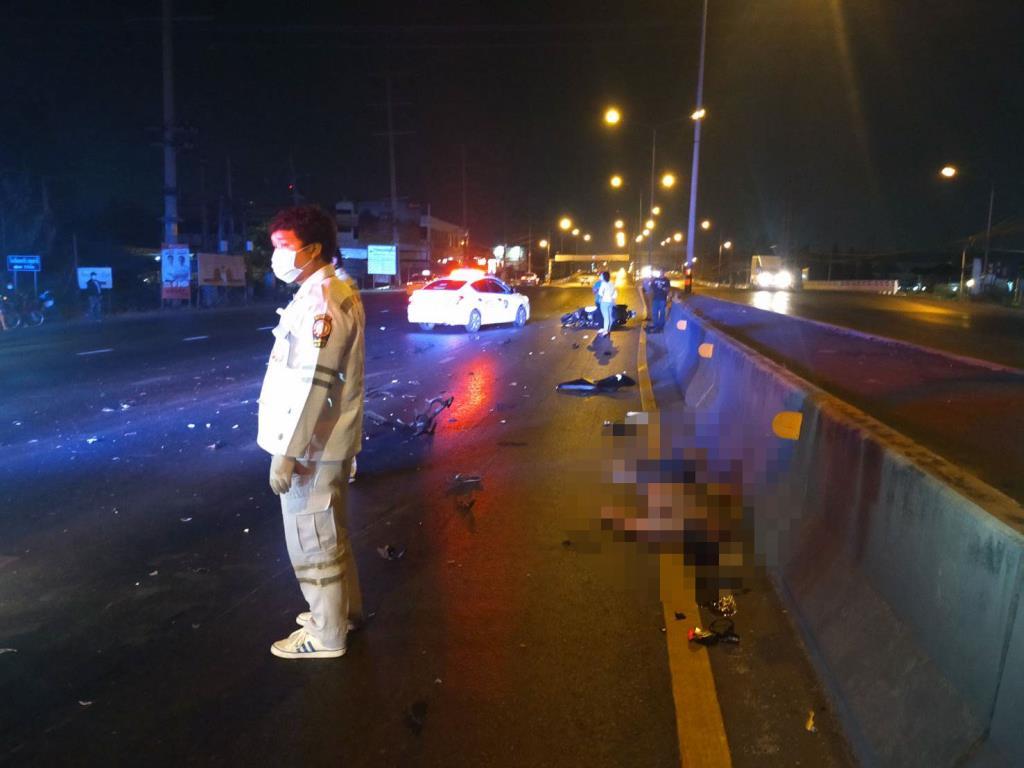 หนุ่มบุรีรัมย์ซิ่งจยย.ชนท้ายรถสิบล้อเสียชีวิต คู่กรณีหลบหนี