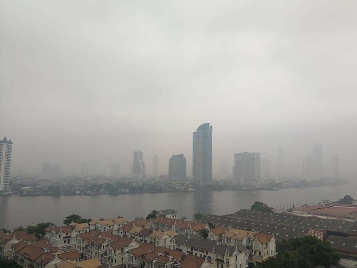 กทม.เช้านี้คุณภาพอากาศปานกลาง ค่าฝุ่นเกินมาตรฐาน 14 พื้นที่ มีแนวโน้มเพิ่มขึ้น ควรลดเวลากิจกรรมกลางแจ้ง