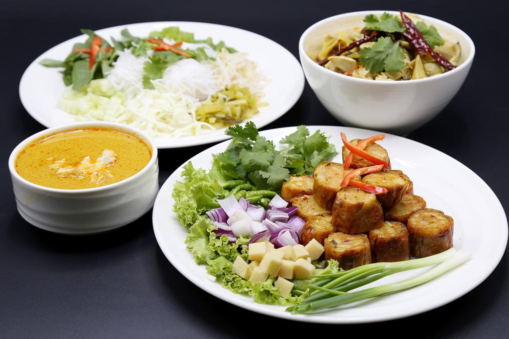 """จัดหนักคลายร้อนกับ """"บุฟเฟต์อาหารไทย 4 ภาค"""" ที่ห้องอาหารเปรมประชากร"""