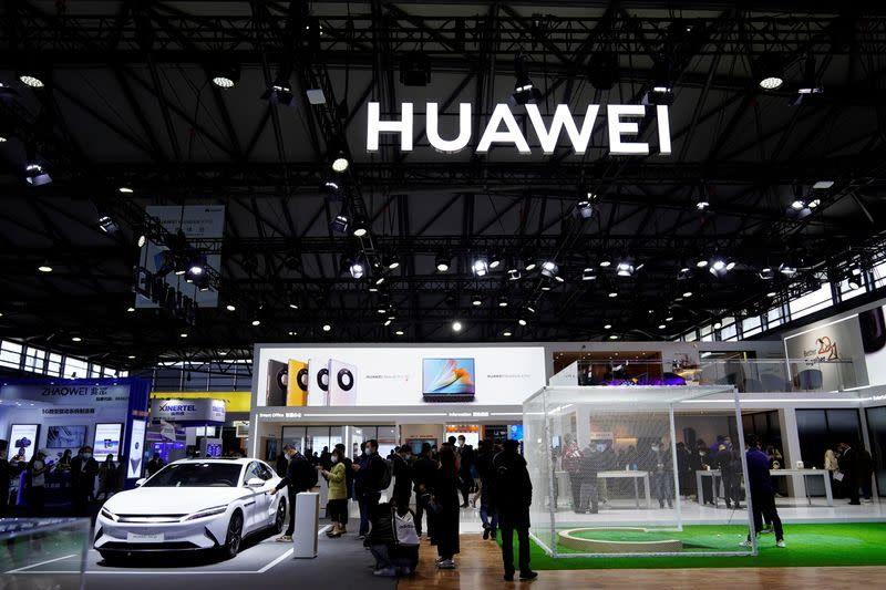 Huawei อัตราเติบโตหดชัดครั้งแรก หลังจากสหรัฐฯลงดาบ
