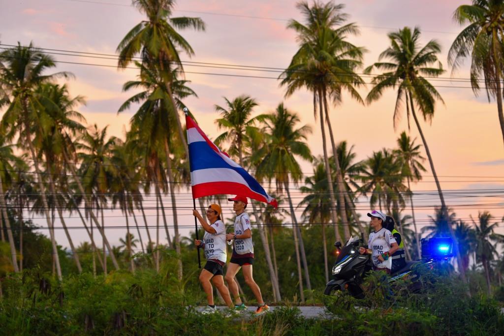 ชาวประจวบฯ ร่วมพิชิตเส้นทางโหด 101.3 กม. วิ่งส่งธงชาติไทย ไปโอลิมปิก วันที่ 5