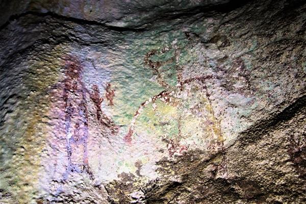 พบภาพเขียนโบราณขนาดใหญ่ที่กระบี่ ก่อนยุคประวัติศาสตร์ 3-5 พันปี เตรียมพัฒนาเป็นแหล่งท่องเที่ยว