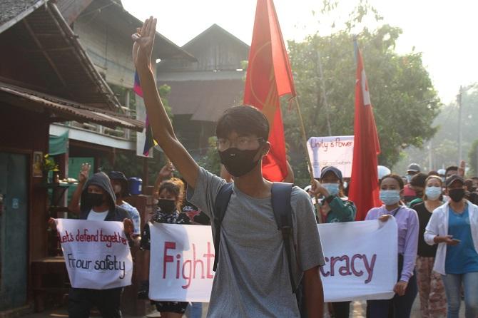 จับตา!10กลุ่มกบฏพม่าประกาศหนุนประท้วงต้านรัฐประหาร เค้ารางเสี่ยงสงครามกลางเมือง
