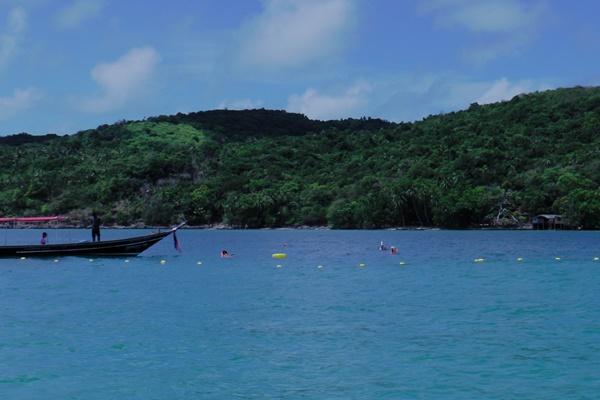 ท่องเที่ยวทางทะเลเกาะสมุยสุดพีคชาวไทยพาครอบครัวพักผ่อนแน่น
