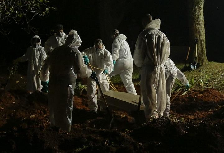 สุดเศร้า!บราซิลเสียชีวิตรายวันจากโควิดทะลุ4พันคน แพทย์ต้องเลือกใครอยู่ใครตาย
