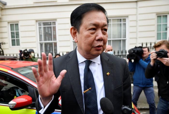 อังกฤษเสนอให้ที่พักเอกอัครราชทูตพม่าหลังถูกขับออกจากสถานทูตตัวเอง