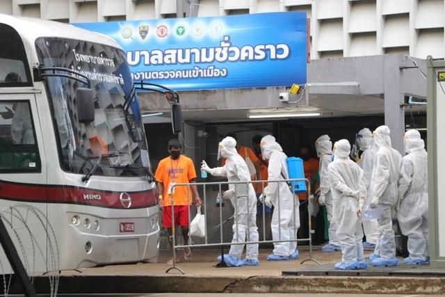 ส่ง 82 ผู้ต้องกักหายโควิดกลับ ตม.สวนพลู รอส่งกลับประเทศต้นทาง