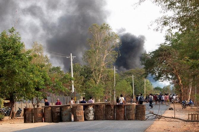 USไม่ทนเร่งUNลงมือ!สื่ออ้างทหารพม่ายังปราบโหดยิงระเบิดใส่ผู้ชุมนุมตายอีกกว่า80ศพ