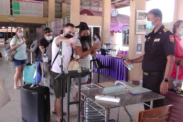 สงกรานต์กระบี่คึกคัก! คนไทยแห่เที่ยว ททท.คาดเงินสะพัด 400 ล้าน ยกเลิกจองห้องพักล่วงหน้าแค่5%