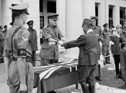 """เกือบสะใจคนถาม """"มีทหารไว้ทำไม""""! อังกฤษจะไม่ให้ไทยมีกองทัพหลังสงครามโลกครั้งที่ ๒!!"""