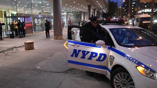 เสร็จอีกหนึ่ง!พวกเหยียดผิวคอตกโดนจับ พลาดท่าเล่นงานตำรวจลับเชื้อสายเอเชียในนิวยอร์ก