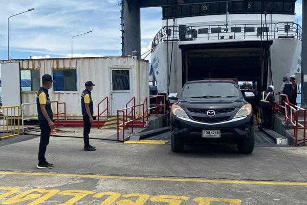 คนติดเชื้อโควิดที่สมุยยังพุ่ง ส่วนเรือเฟอร์รี่ปรับลดเที่ยวเรือหลังคนน้อย