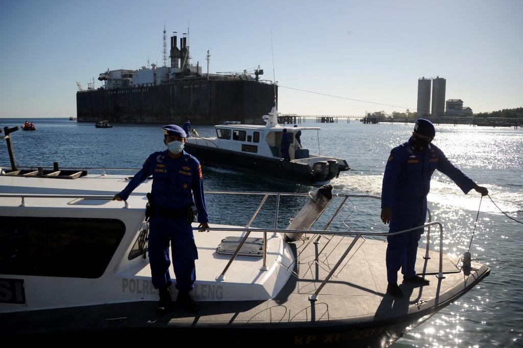 ผู้นำอิเหนาสั่งทุ่มเต็มที่ค้นหาเรือดำน้ำที่สูญหาย  ห่วง 53 ลูกเรือขณะ'ออกซิเจน'พอใช้ถึงแค่เสาร์นี้