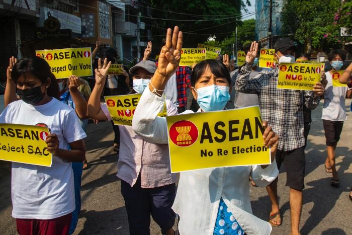 ชาวพม่าวิจารณ์ฉันทมติอาเซียน-รัฐบาลทหารไร้โร้ดแมปฟื้นฟูประชาธิปไตย