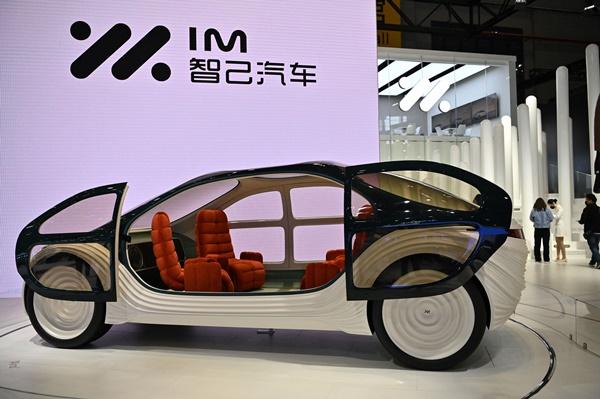 มุมหนึ่งในมหกรรมยานยนต์เซี่ยงไฮ้ประจำปี 2021
