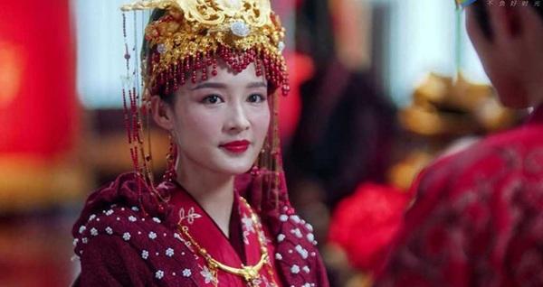 ส่อง! ความงามห้านางเอกจีน สวย สง่า ร้อนแรงในชุดแดงเพลิง!