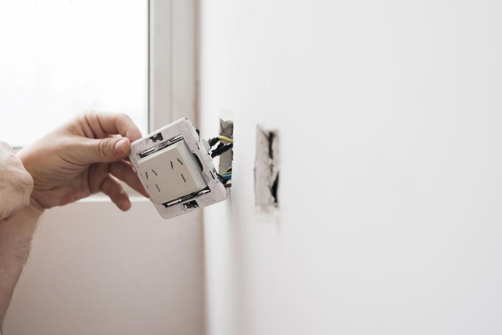 สภาวิศวกร ชวนเช็ค4อาการอุปกรณ์ไฟฟ้า เสี่ยงไฟรั่ว-ไฟช็อต-ไฟเกิน เพื่อความปลอดภัย