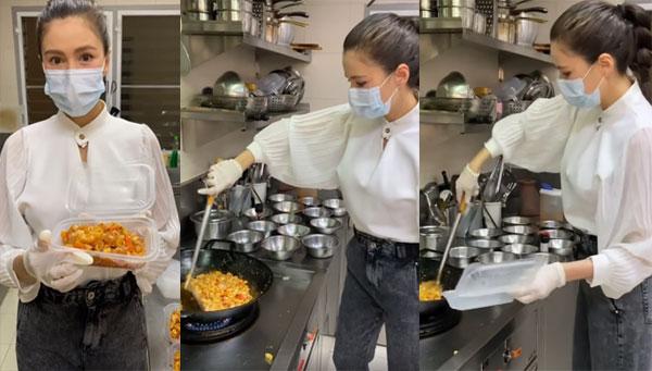 """นางฟ้า """"ศรีริต้า"""" โชว์ฝีมือทำผัดมักกะโรนีไก่ มอบให้บุคลากรทางการแพทย์ศิริราช 100 กล่อง"""
