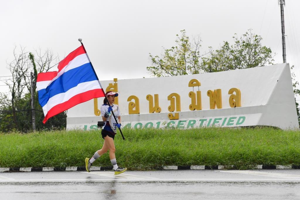 วิ่งธงชาติไทยถึงลำปาง รวมผ่าน 34 วัน รวมระยะทาง 2,567 กม.