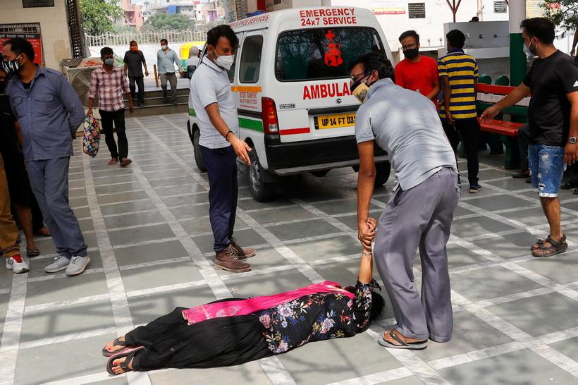 ฉุดไม่อยู่! ยอดติดเชื้อใหม่ 'อินเดีย' พุ่งทะลุ 4 แสนคน ไฟไหม้รพ.คร่าผู้ป่วยโควิด 16 ศพ