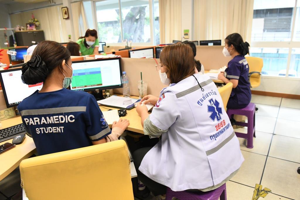 กทม.เร่งสำรวจผู้ป่วยตกค้างต่อเนื่อง พร้อมเชิญชวนผู้สูงอายุ 60 ปีขึ้นไป-ผู้ป่วย 7 กลุ่มโรคเสี่ยง ลงทะเบียนรับวัคซีน