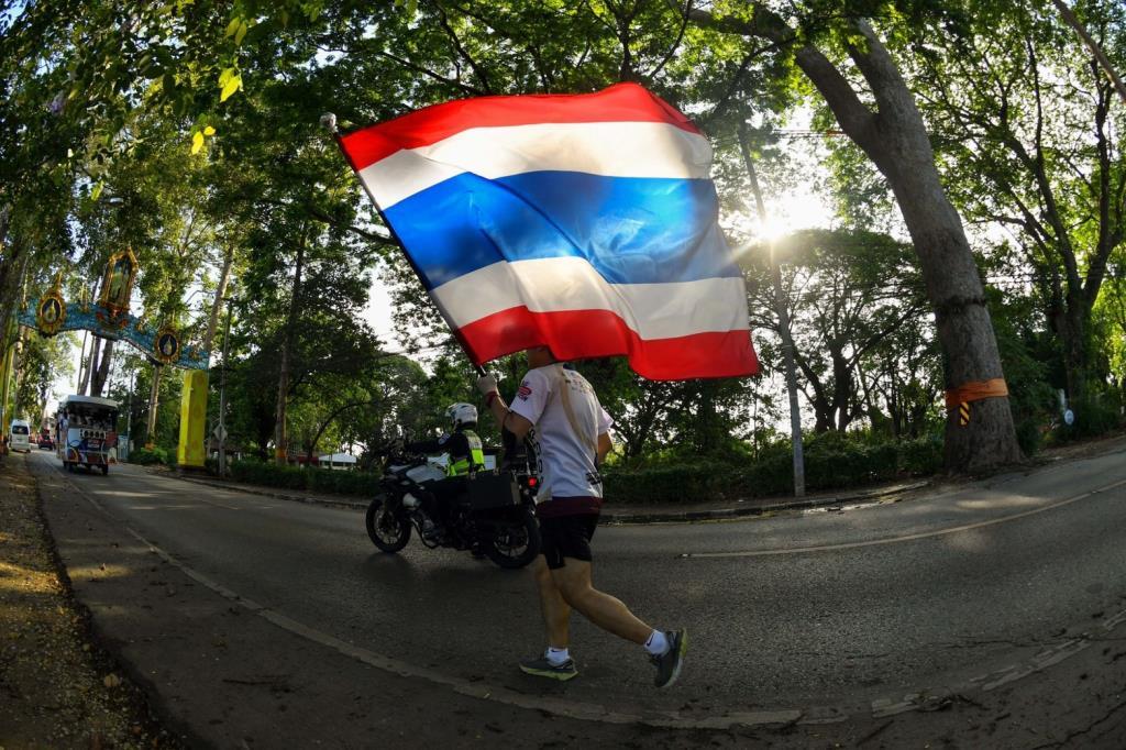 วิ่งธงวันที่ 37 ชาวลำพูน-เชียงใหม่ ส่งพลังเชียร์ทัพนักกีฬาไทย ขบวนเตรียมมุ่งหน้าสู่แดนอีสาน