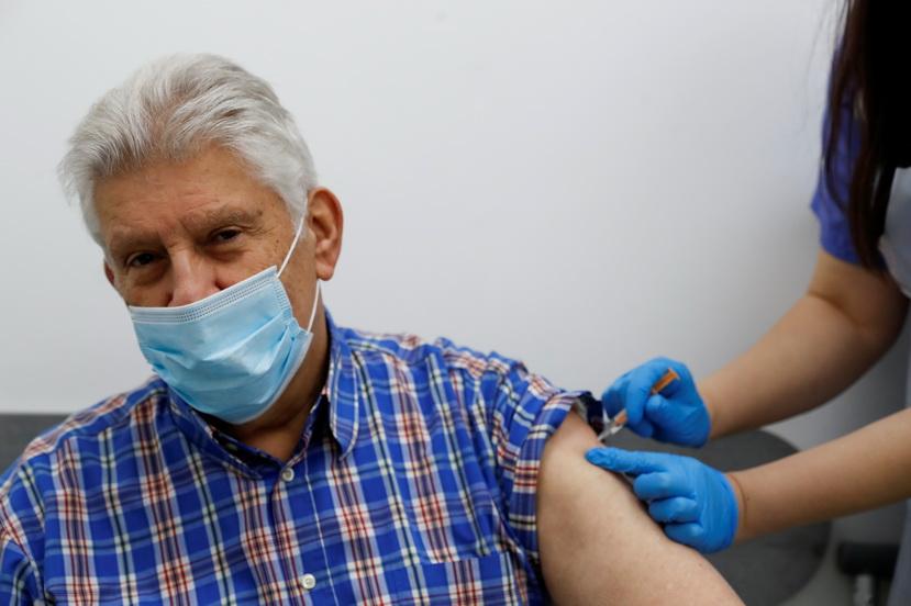 อังกฤษเตรียมฉีดวัคซีน 'เข็มที่ 3' ให้ประชากรอายุเกิน 50 ปี-สกัดโควิดระบาดซ้ำช่วง 'คริสต์มาส'