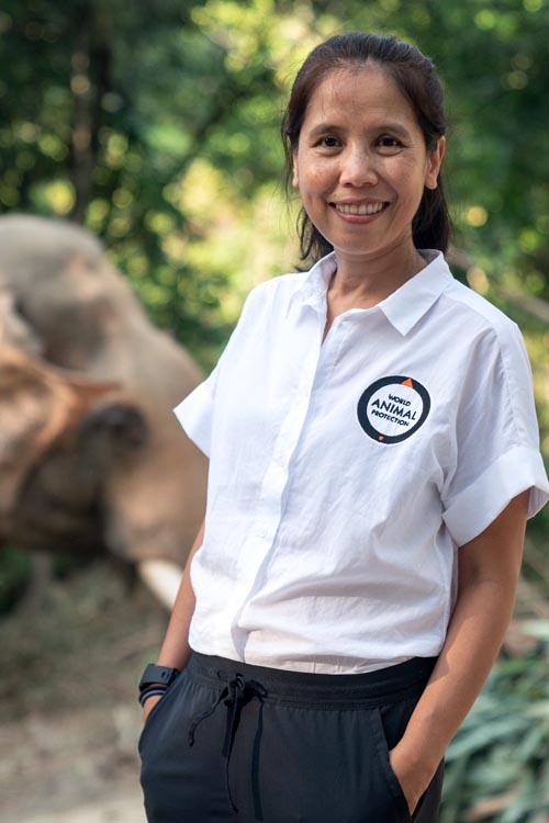 นางสาวโรจนา สังข์ทอง ผู้อำนวยการองค์กรพิทักษ์สัตว์แห่งโลก ประเทศไทย