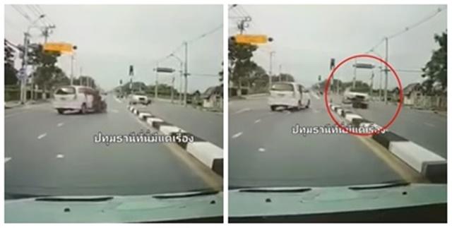 นาทีชีวิต! อุบัติเหตุ เก๋งขับตัดหน้า จยย. ทำผู้ขี่กระเด็นข้ามฝั่งโดนชนซ้ำเสียชีวิต