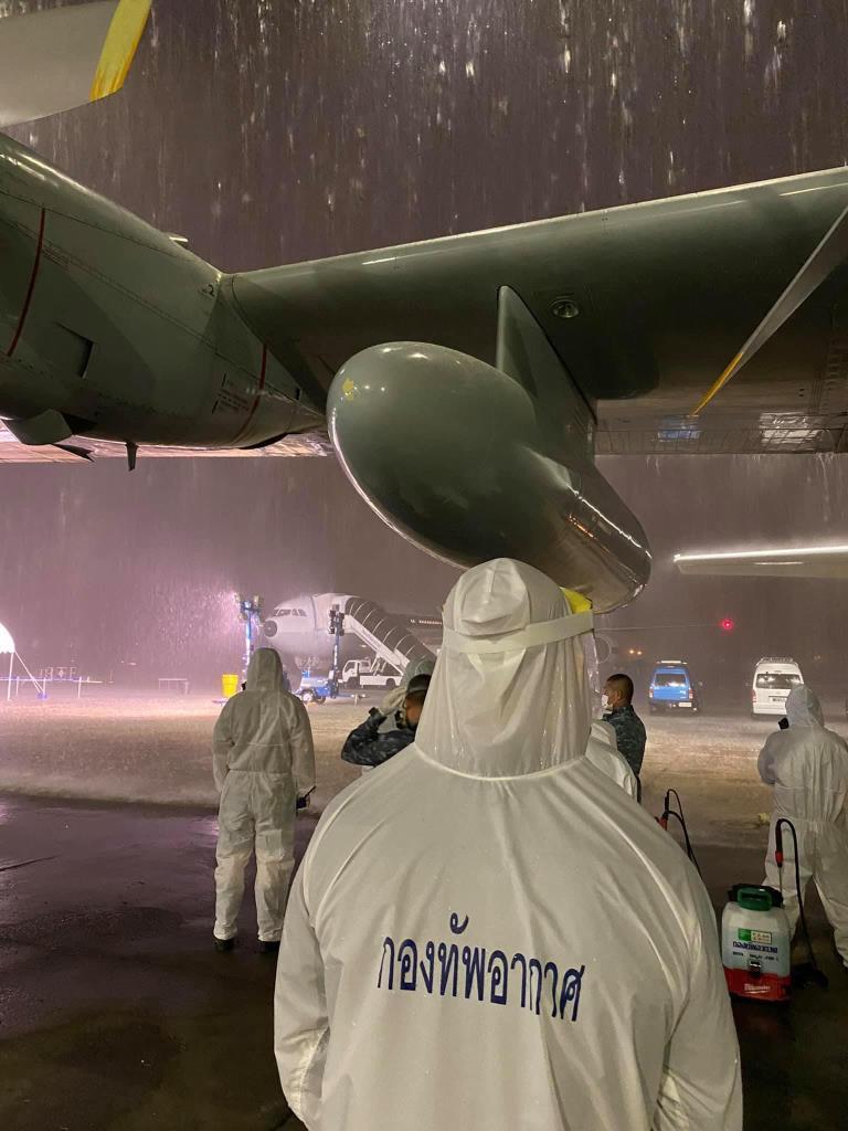 แอร์บัส 320 กองทัพอากาศกลับถึงไทย นำ ขรก.สถานทูตไทย ติดโควิด-19 กลับมารักษา