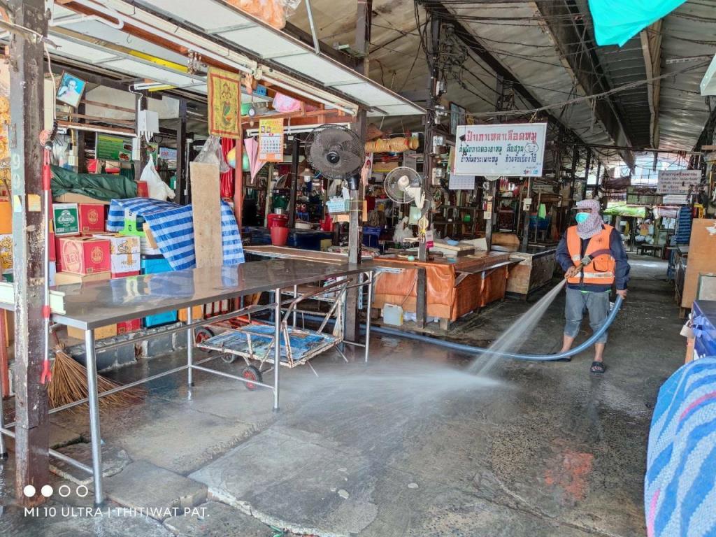 ผลตรวจหาเชื้อ 2 ตลาดดังที่นนทบุรี  794 ราย พบติดเชื้อ 173 ราย รอผลอีก 8 ราย