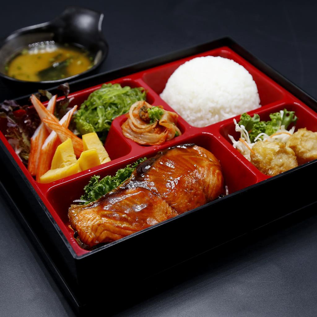 """จัดเต็มเมื่อสั่ง """"อาหารญี่ปุ่น"""" กลับบ้าน ลด 30% ที่ห้องอาหารเปรมประชากร"""