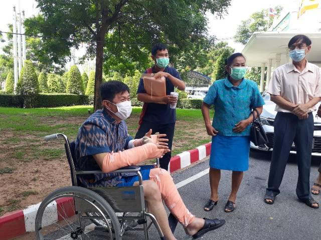"""""""นพพล-ส.ส.เพื่อไทยพิษณุโลก""""เปิดอกหลังฉีดซิโนแวค การันตีวัคซีนเข้าไทยปลอดภัยทุกโดส"""