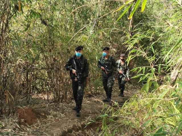 ทหารแจงชัดจัดกำลังพลนับพันซีลชายแดนสกัดคนลอบเข้าเมือง ชี้แหล่งบันเทิงท่าขี้เหล็กเปิดมาตั้งแต่เมษาฯ