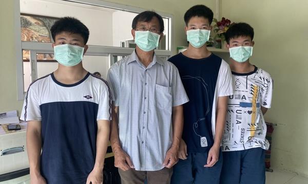 เปิดใจพ่อ พร้อม แฝดสาม สอบติด แพทย์ชนบทมหิดลพร้อมกันทั้งสามคน