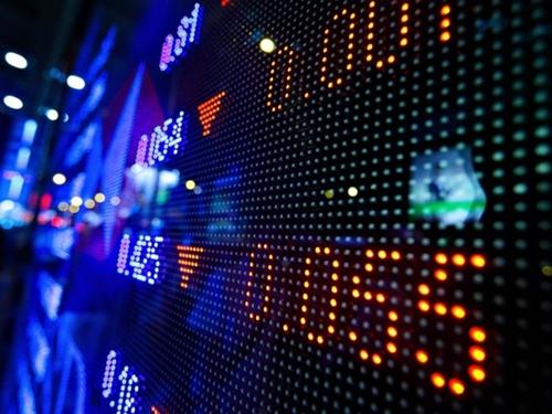 หุ้นแกว่งซึมลงคล้ายตลาดภูมิภาคช่วงรอดูเงินเฟ้อสหรัฐฯ