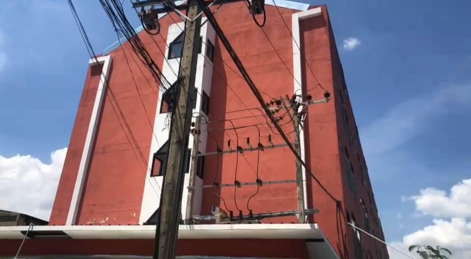 ผู้ว่านนทบุรี เซ็นคำสั่งด่วนปิดอาพาร์ทเมนต์ดังหลังพบแรงงานต่างด้าวติดเชื้อจำนวนมาก