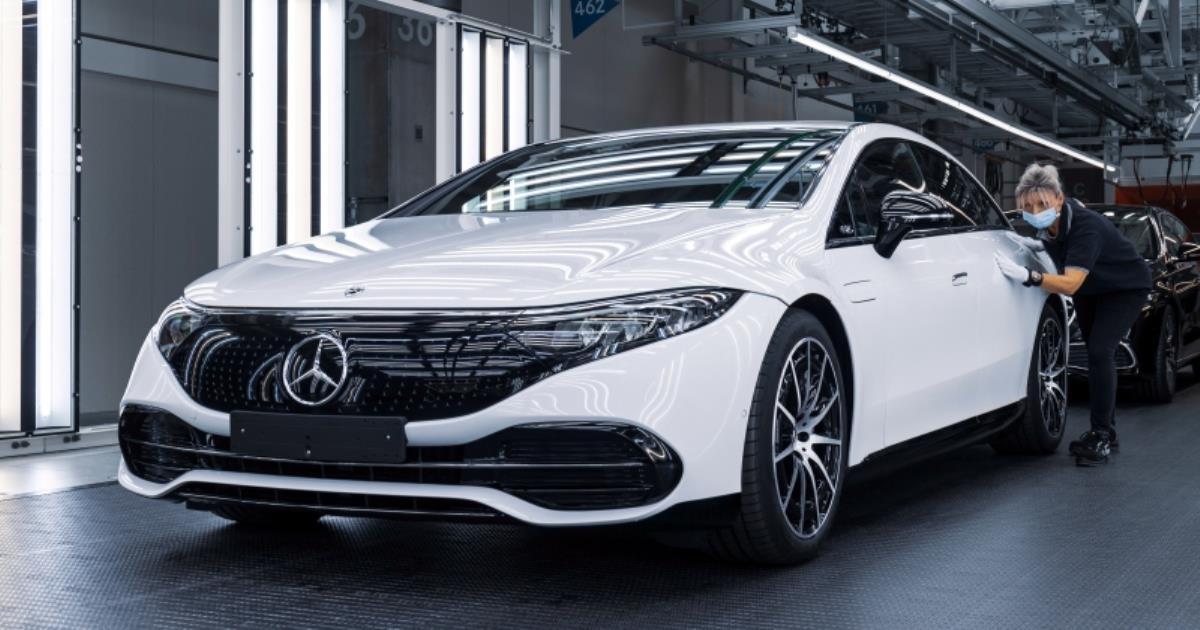 Mercedes-Benz EQS รถไฟฟ้าสุดหรูเริ่มเดินสายการผลิตแล้วที่เยอรมนี